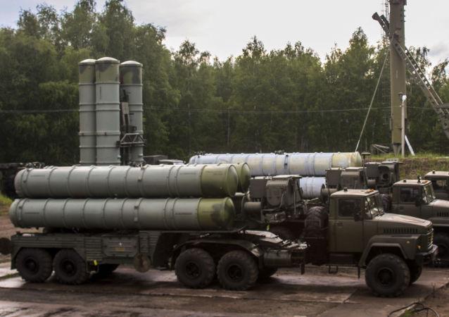 Raketové komplety S-300