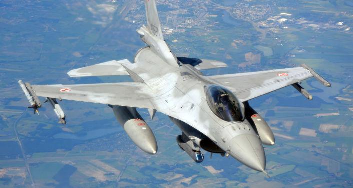 Polská stíhačka F-16