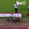 Nigerijská atletka během skoku ztratila paruku. Video