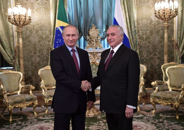 Ruský prezident Vladimir Putin a brazilský prezident Michel Temer