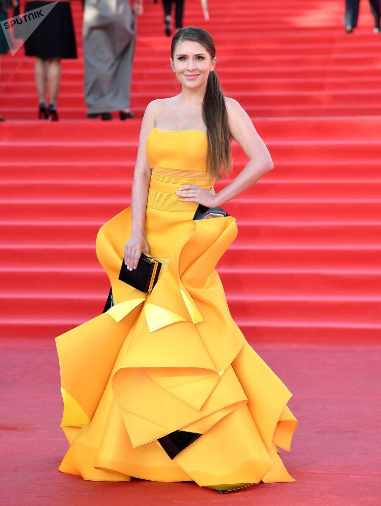 Herečka Valerie Koževnikovová během slavnostního zahájení Moskevského mezinárodního filmového festivalu
