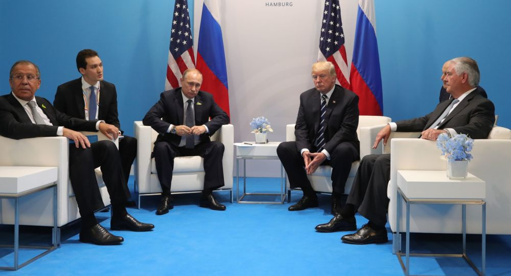 Schůzka ruského prezidenta Vladimira Putina s americkým prezidentem Donaldem Trumpem