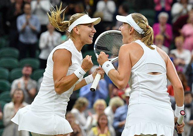 Ruské tenistky Jelena Vesninová a Jekatěrina Makarovová