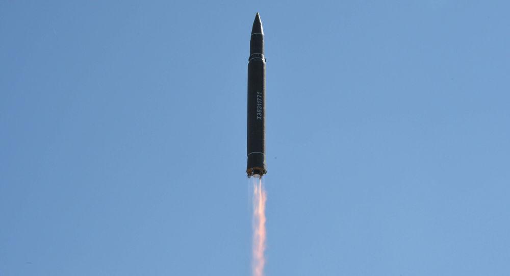 Start balistické rakety Hwasong-14 v KLDR