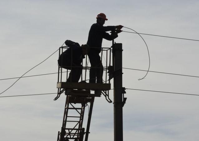 Oprava elektrického vedení v Děbalcově, DLR