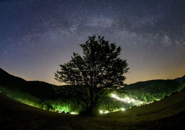 Mléčná dráha v nebi nad Maďarskem