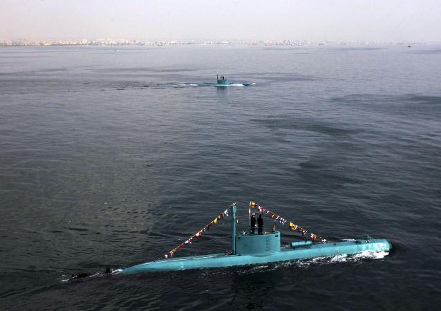 Íránské ponorky v Perském zálivu