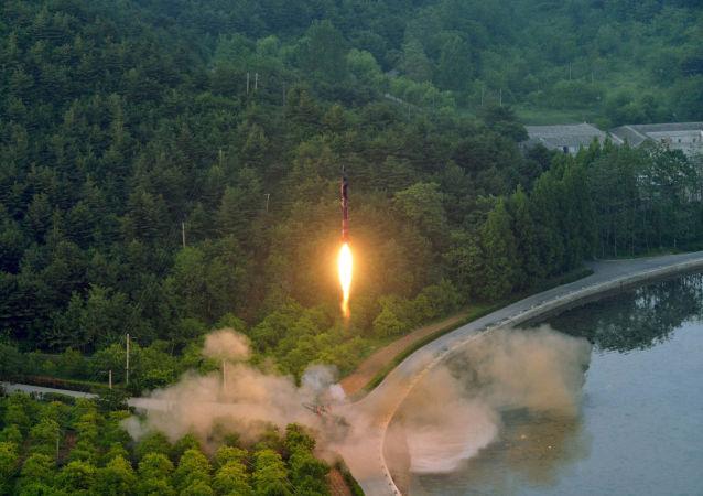 Severní Korea. Balistická raketa
