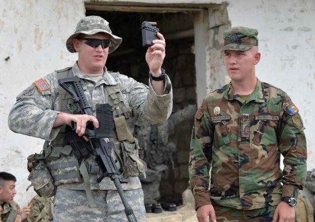 Vojáci na moldavsko-amerických cvičeních Dragoon Pioneer 2017