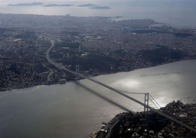Most přes Bospor