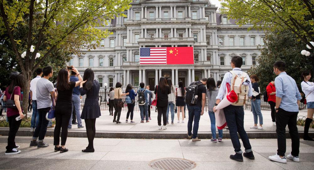 Vlajky USA a Číny