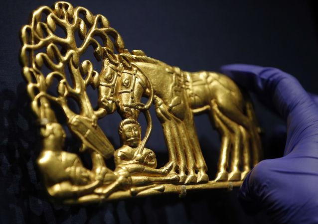 Vojáci starobylé Sibiře: do Londýna dorazila skytská sbírka Ermitáže
