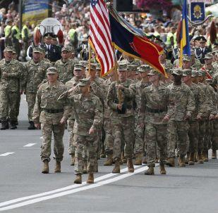 Vojenská přehlídka v Kyjevě u příležitosti Dne nezávislosti Ukrajiny za účasti NATO