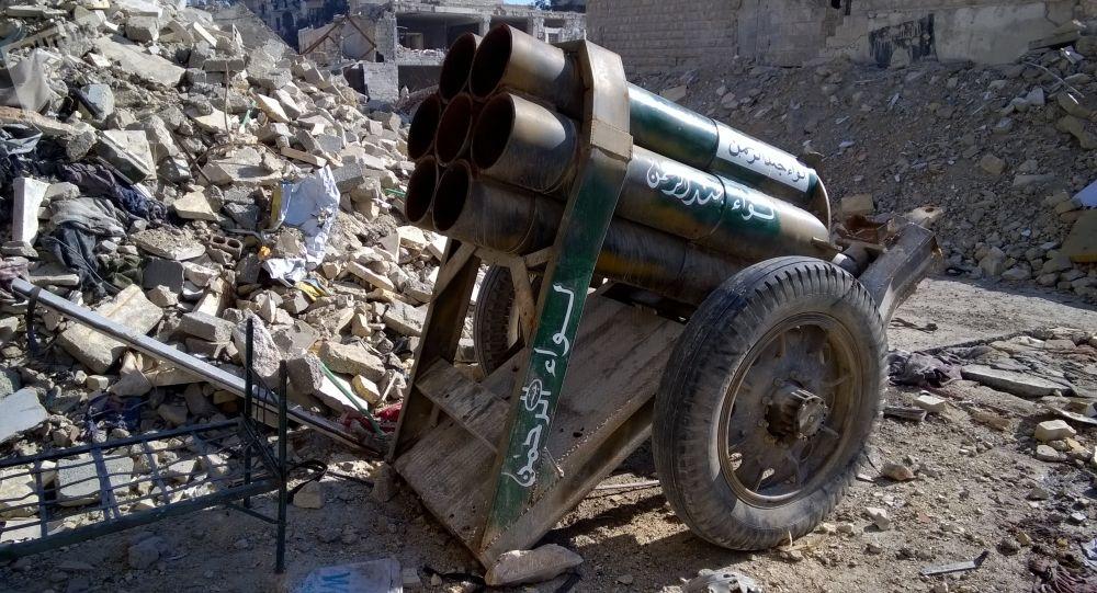 Dělo ozbrojenců v osvobozené čtvrti v Aleppu