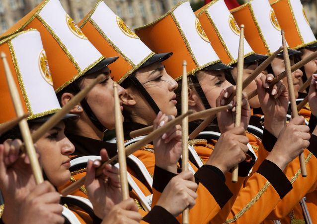 Účastníci festivalu Spasskaja bašnja