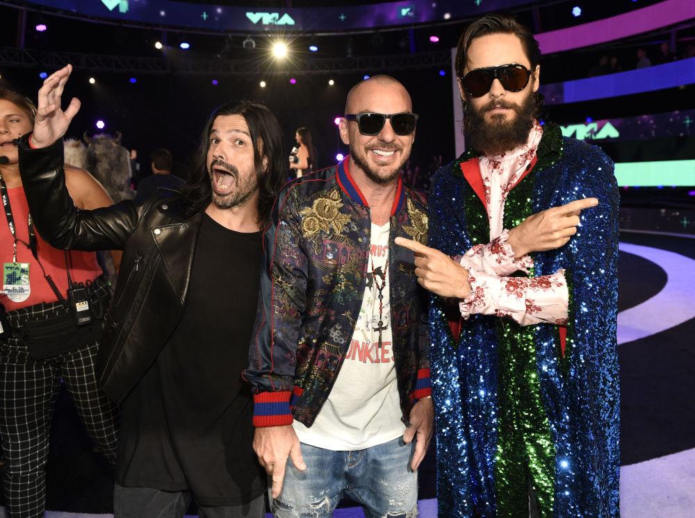 Vyzývavé šaty a riskantní výstupy na MTV Video Music Awards