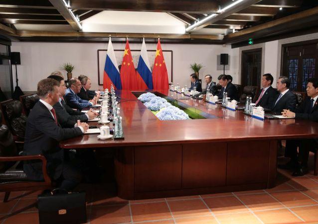 Schůzka lídrů Číny a Ruska Si Ťin-pchinga a Vladimira Putina