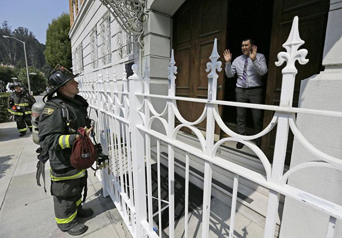 Zaměstnanci ruského generálního konzulátu nepustili dovnitř sanfranciské hasiče