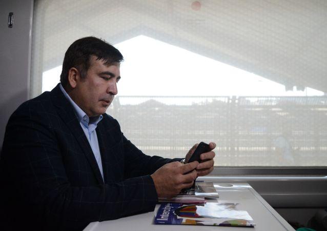 Michail Saakašvili ve vlaku směřujícím na Ukrajinu