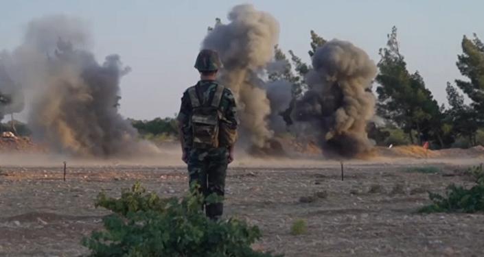 Syrští ženisté se učí od ruských vojáků
