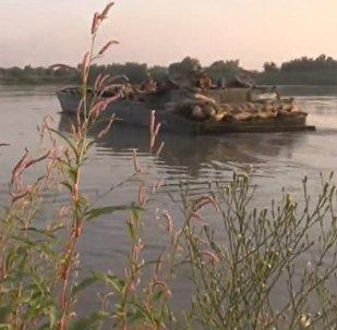 Útok na řeku Eufrat syrskou armádou. Video