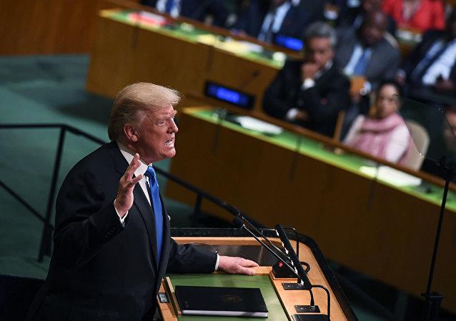 Trump během vystoupení na VS OSN
