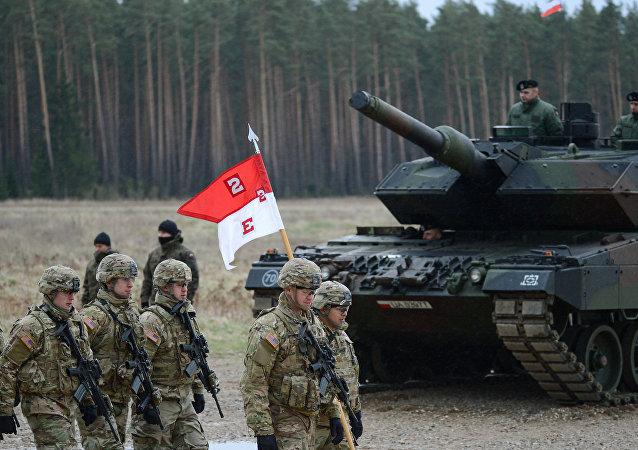 Prapor NATO v polském Ořiši