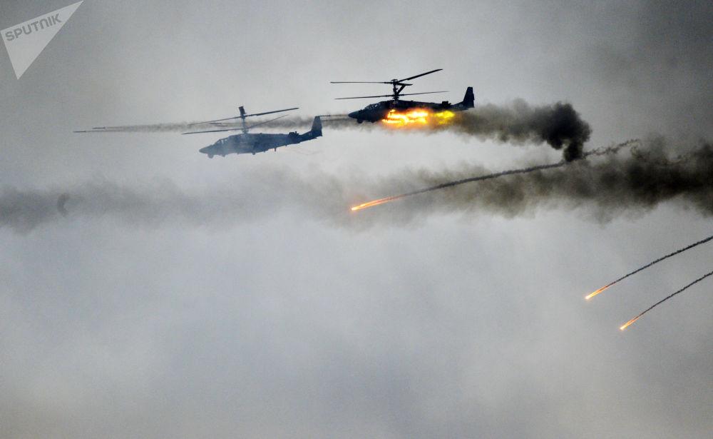 Vrtulníky Ka-52 na společných strategických cvičeních ozbrojených sil Běloruska a Ruské federace Západ 2017