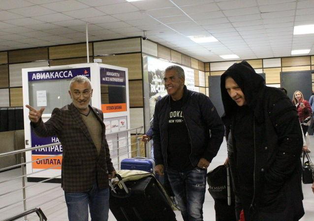 Krymští taxikáři uvítali hvězdu filmu Taxi Samy Naceri