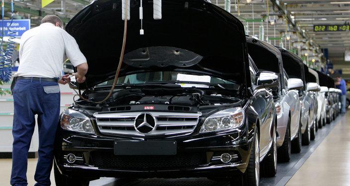 Automobilka Mercedes-Benz