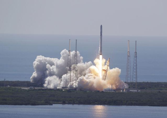 Startování rakety Falcon 9