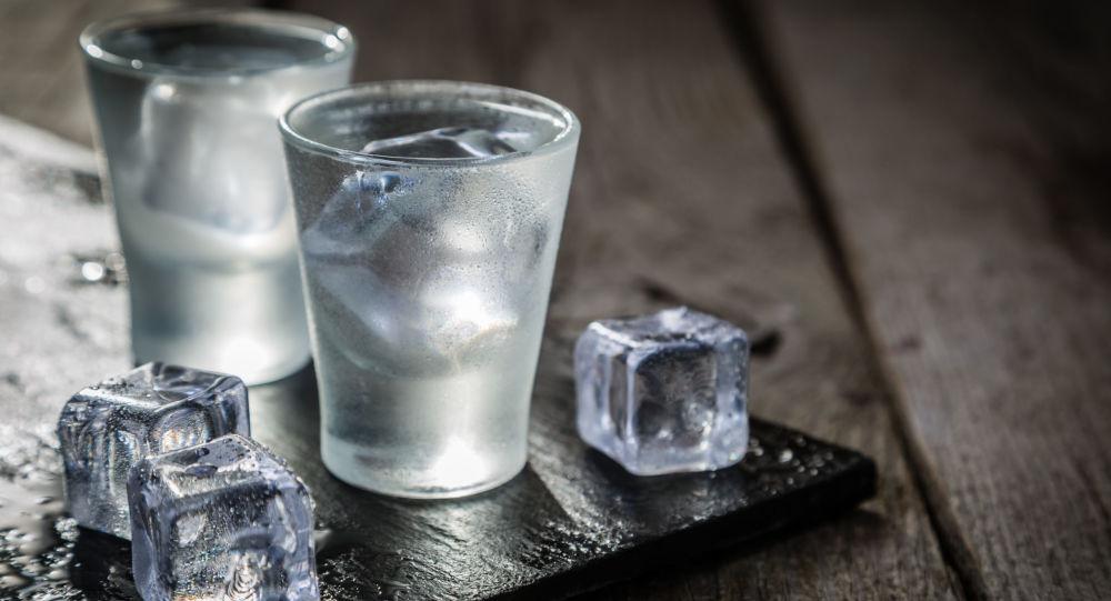 Panák vodky