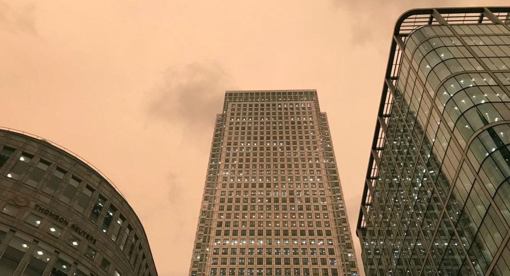 Obloha nad Londýnem v době hurikánu Ophelia