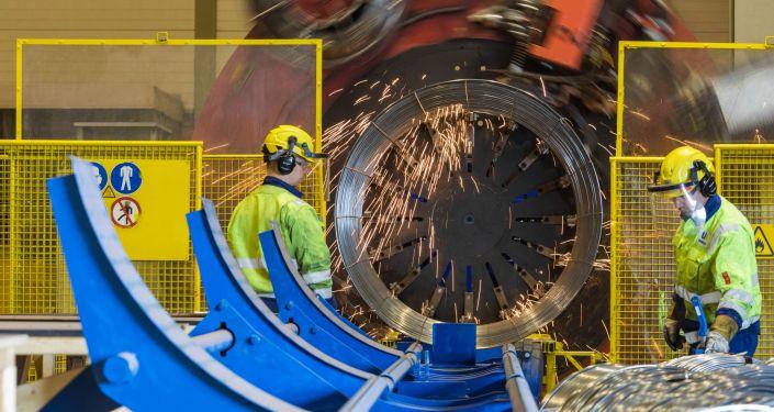 Příprava drátěných klecí pro plynovod Severní proud 2