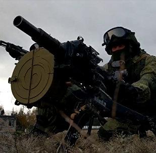 Cvičení ruského specnazu s průbojnou puškou. Video
