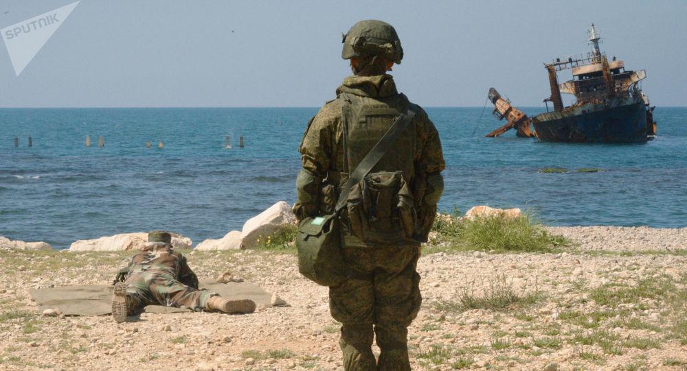 Společná cvičení ruských a syrských vojáků v Tartusu