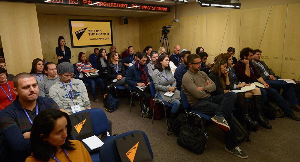 Škola mladých novinářů Sputnik