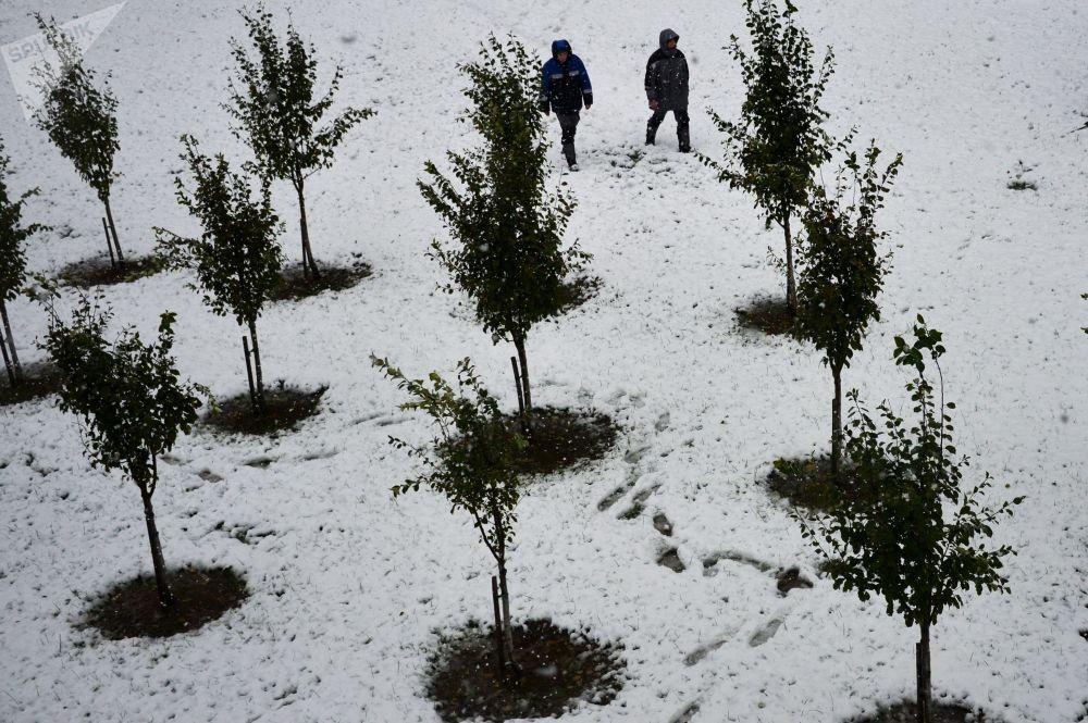 Sníh v lázních Roza-Chutor v Krásné Poljaně