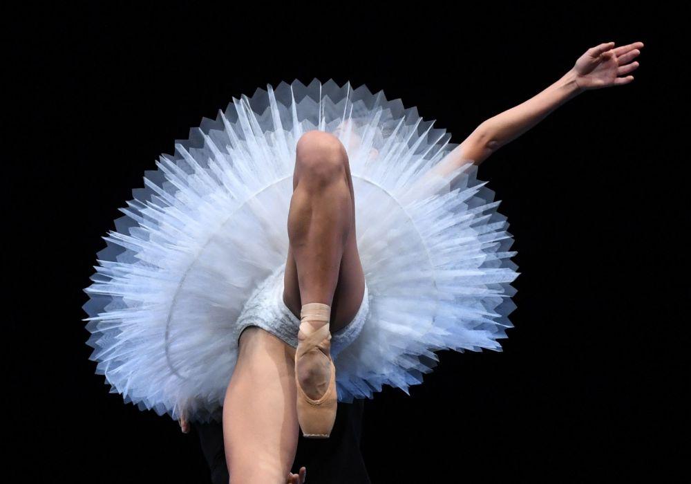 Baletní soubor drážďanské Semperovy opery během zkoušky před vystoupením v New Yorku