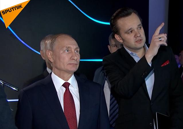 Putin navštívil interaktivní výstavu Rusko, zaměřené na budoucnost