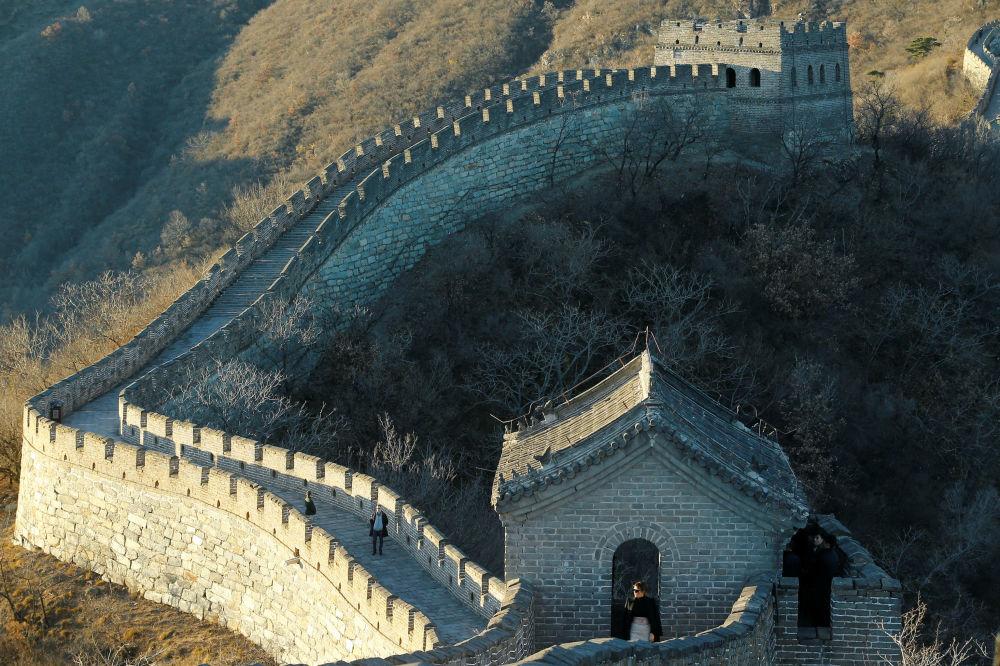Melania Trumpová během návštěvy Velké čínské zdi.