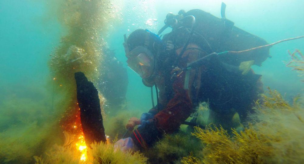Potápěč v Černém moři