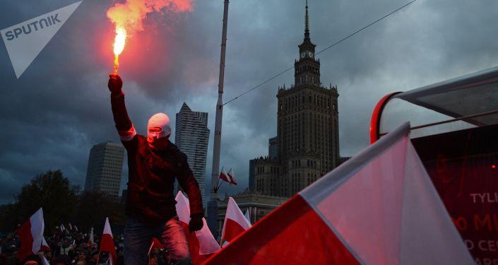 Pochod u příležitosti Dne nezávislosti ve Varšavě