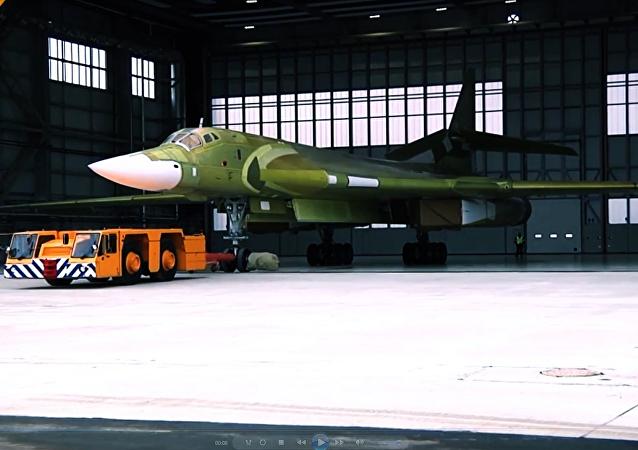 Nový Superlebeď: první prezentace obnoveného Tu-160