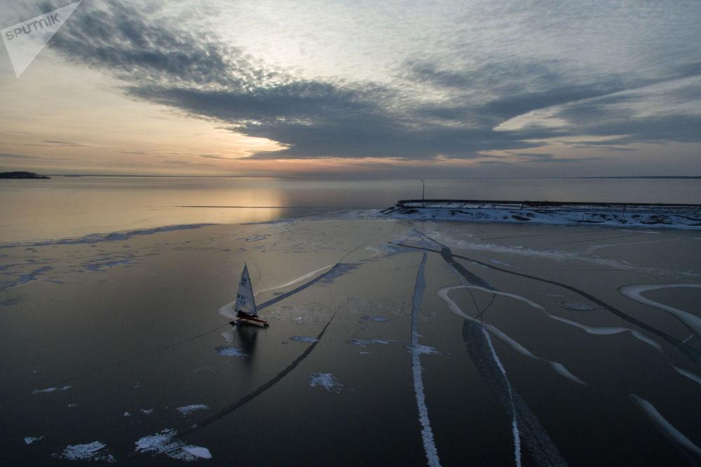 Závody v jachtingu (plachetnicové závody) na Obském moři, Novosibirsk