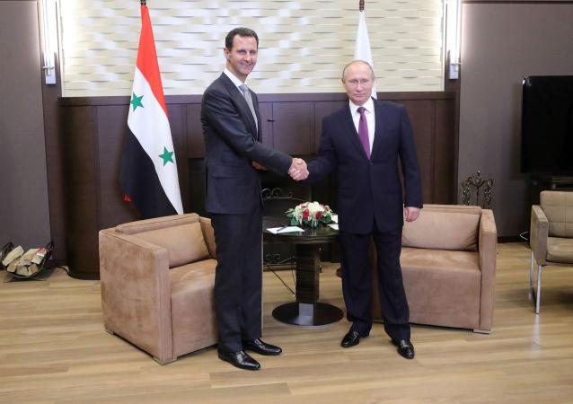 Vladimir Putin a Bašár al-Asad na setkání v Soči v roce 2017. Ilustrační foto