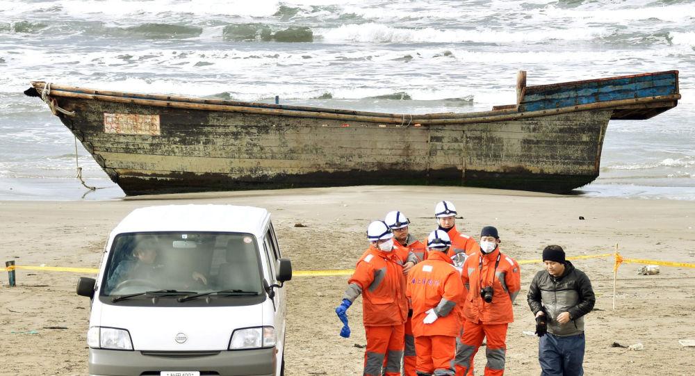 K japonskému pobřeží připlul člun s mrtvolami