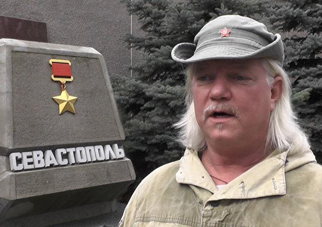 Americký dobrovolník v DLR vypověděl o situaci v Donbasu. Video