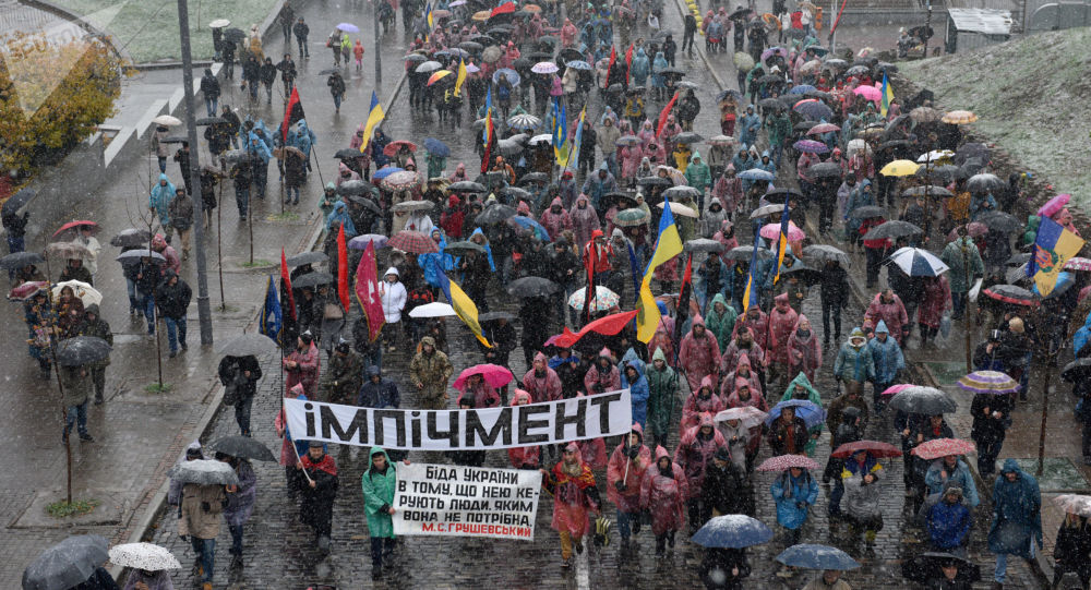 V Kyjevě začal pochod za impeachment Porošenka. Foto, video - Sputnik Česká republika