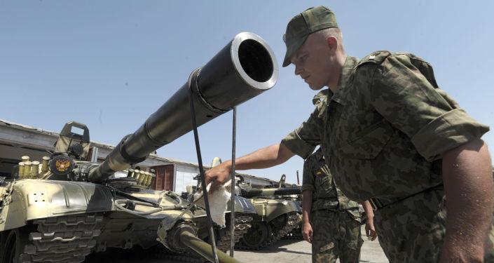 Ruský voják na základně v Tádžikistánu